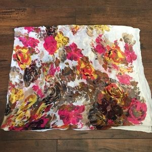 Floral patterned scarf Multicolored